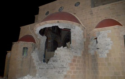 Мощные землетрясения в Греции: Два человека погибли, десятки ранены