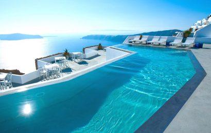 Booking.com выбрал 7 лучших бассейнов в мире. Один их них находится в Греции.