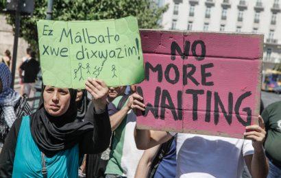 Митинг протеста у немецкого посольства в Афинах устроили сирийские беженцы