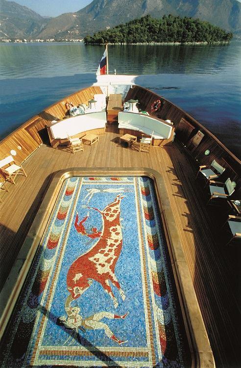 Яхта Онассиса бассейн