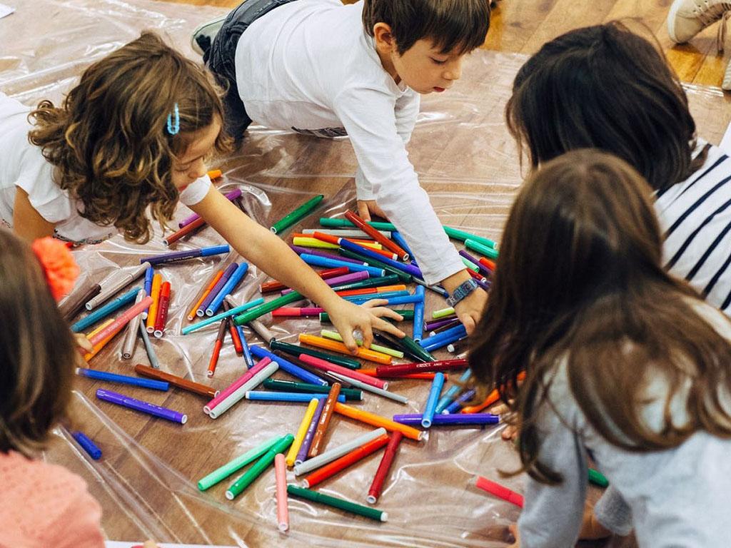дети играют развитие обучение досуг развлечение афины греция