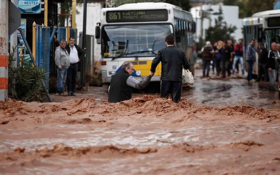 потоп по пояс, помощь при наводнении мандра