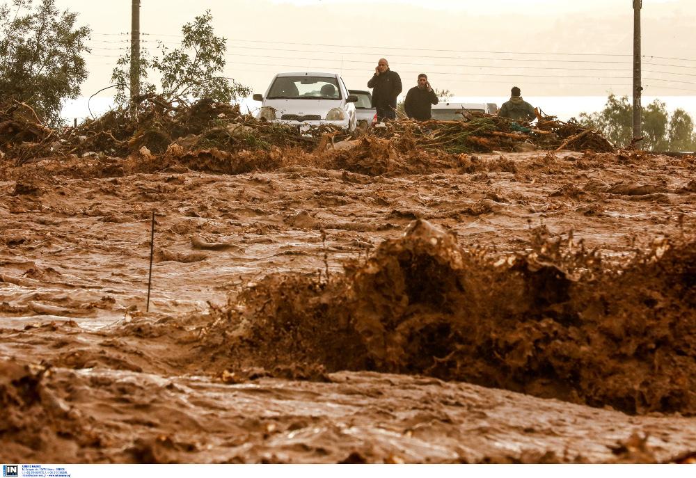 наводнение, глина на дорогах