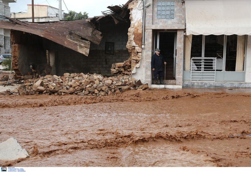 разрушенные наводнением дома