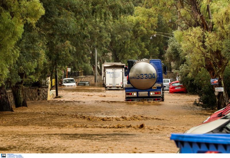 наводнение на дорогах