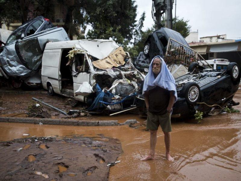 человек после наводнения