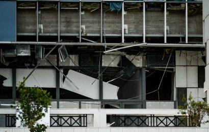 У входа в здание суда в Афинах взорвалась бомба