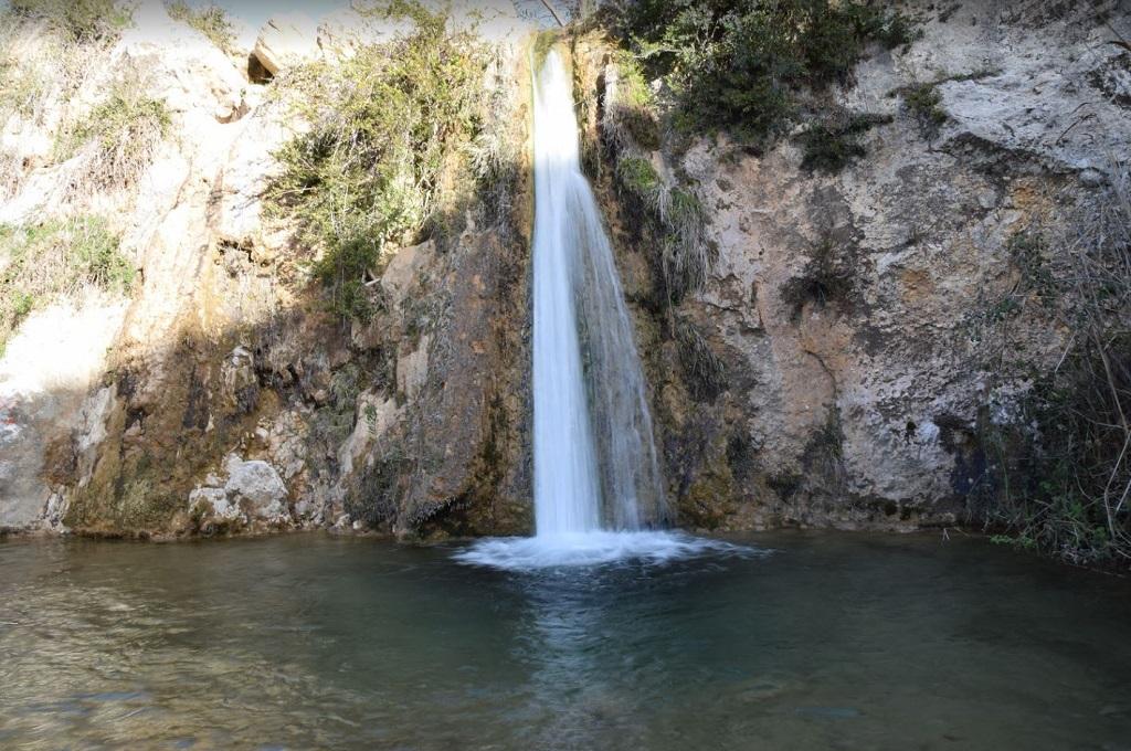 водопад в афинах