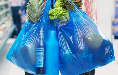 Пластиковые пакеты в Греции снова подорожают с 2019 года