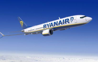 Лоукостер Rayanair прекращает полеты из Афин в Салоники и обратно
