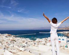 Греция планирует отменить обязательный карантин для российских туристов
