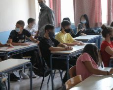 С 12 апреля открываются лицеи. Ученики сдают тест на Covid.